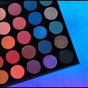 Brand New Morphe 35v Artistry Palette
